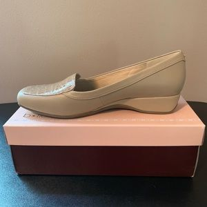 Bandolino Bdlilas Shoes-NEVER WORN
